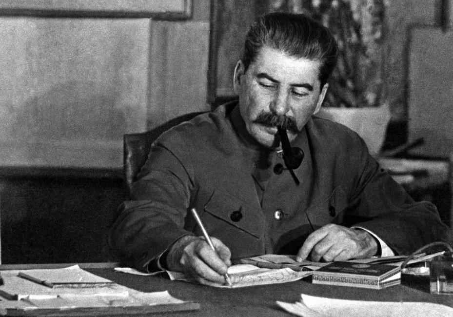 «Часть граждан склонны оправдывать репрессии»: общественные организации запустили проект #Сталиндалприказ
