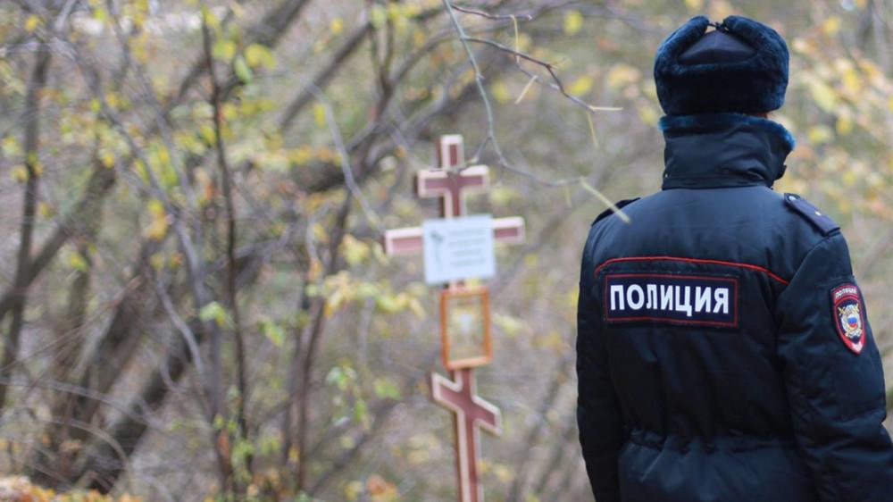 Несанкционированный крест. Полиция задержала активистов заустановку креста наместе гибели жертв репрессий вНижнем Новгороде