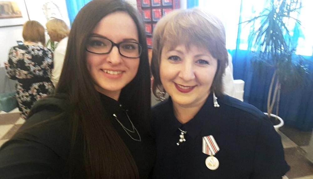 Мать координатора штаба Навального вКемерово уволили изшколы