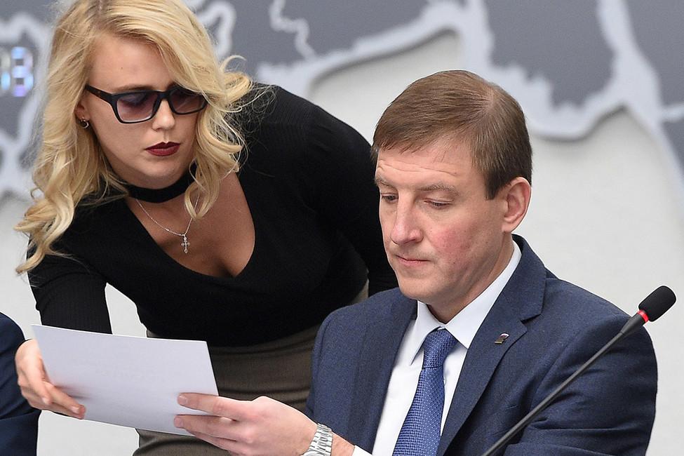 Путин представит кгоснаградам ушедших вотставку губернаторов