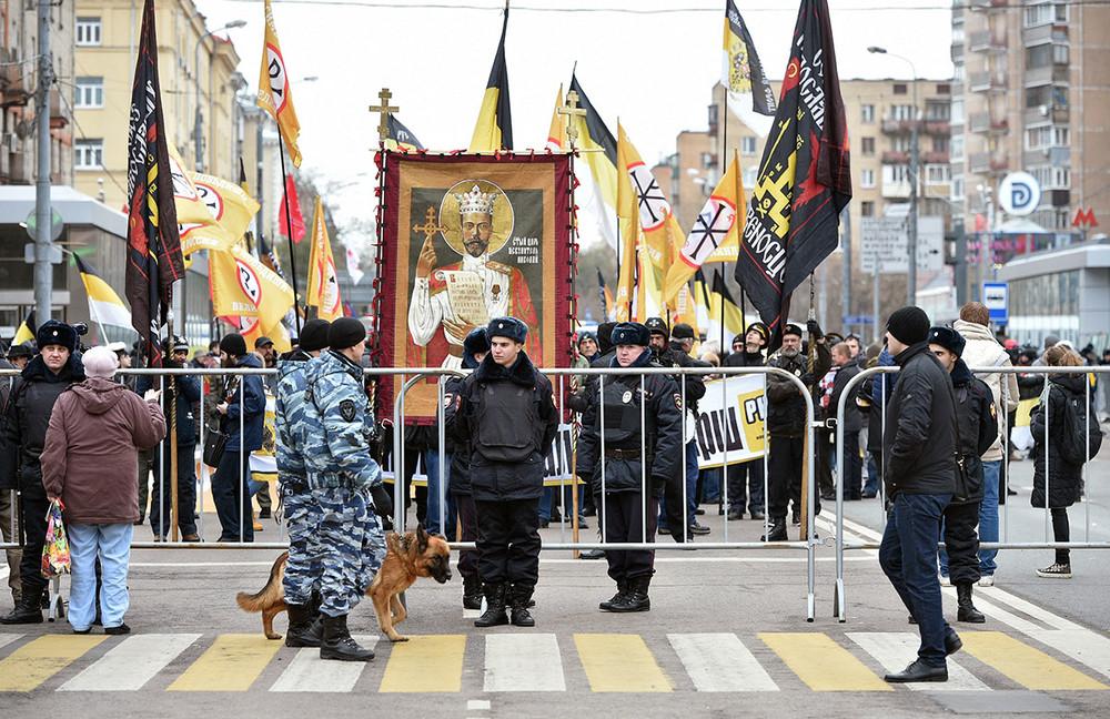 Участники марша наОктябрьском поле, 4ноября 2017года. Фото: Петр Кассин/ Коммерсантъ