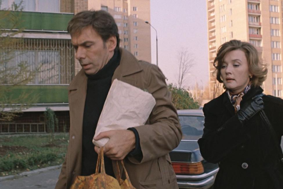 Кадр изфильма «Москва слезам неверит»