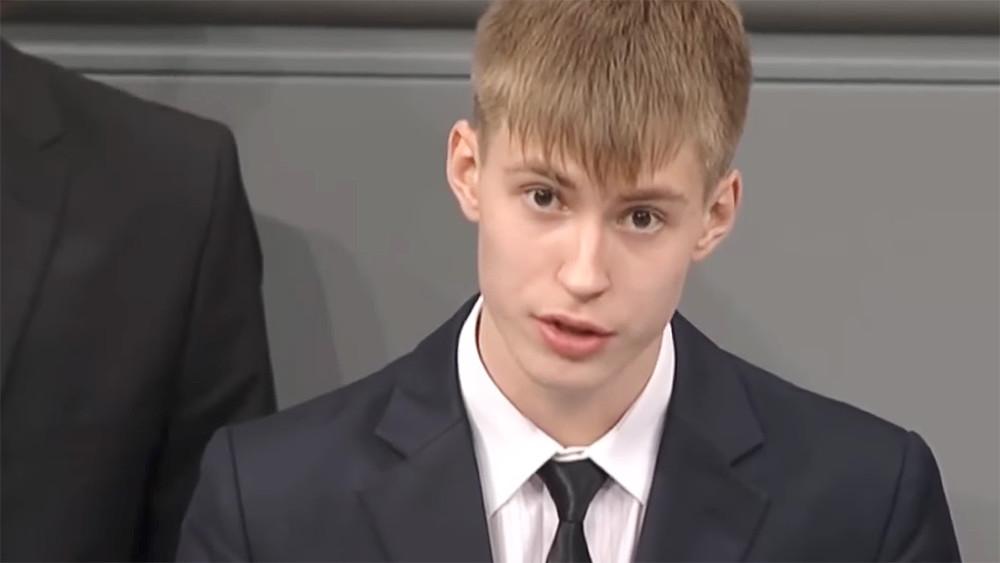 Школьник выступил сантивоенной речью вБундестаге. Почему негодуют «патриоты»?
