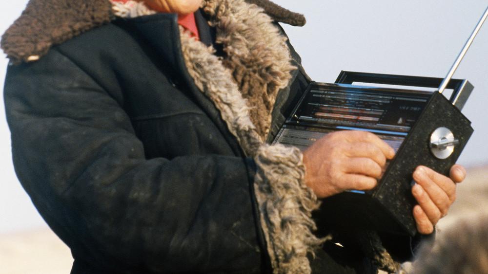 «Забирались накрыши, делали антенны подлиннее»: Пряников, Емелин, Белковский идругие жители СССР, слышавшие «голоса»