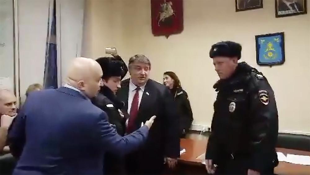 Мундепы от«Единой России» саботировали работу совета депутатов Филевского парка вовремя заседания