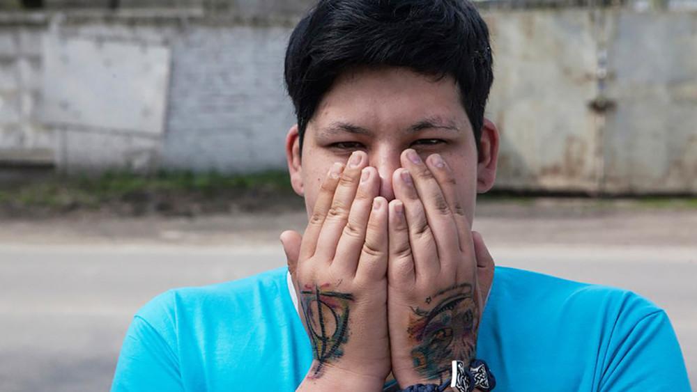 Мне сказали: «Тыбудешь сидеть». ЛГБТ-активист уехал изРостовской области после пыток вцентре «Э»