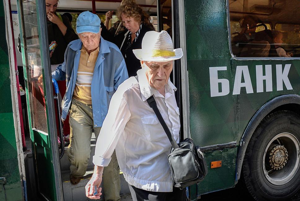 Госдума отказалась индексировать пенсии работающим пенсионерам