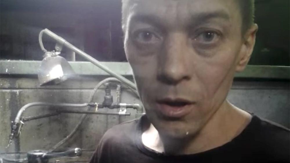 Заключенный, обвинивший тюменскую колонию впринуждении крабскому труду, записал видеообращение кПутину