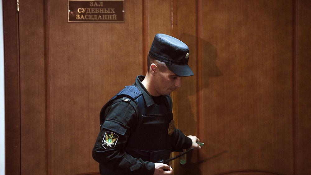 Илья Новиков: «Вынужденного оправдания внаших судах несуществует»