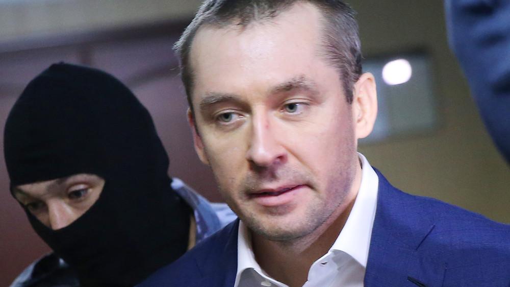 ТАСС:  следствие собирается исключить изобвинения полковника Захарченко один эпизод взятки