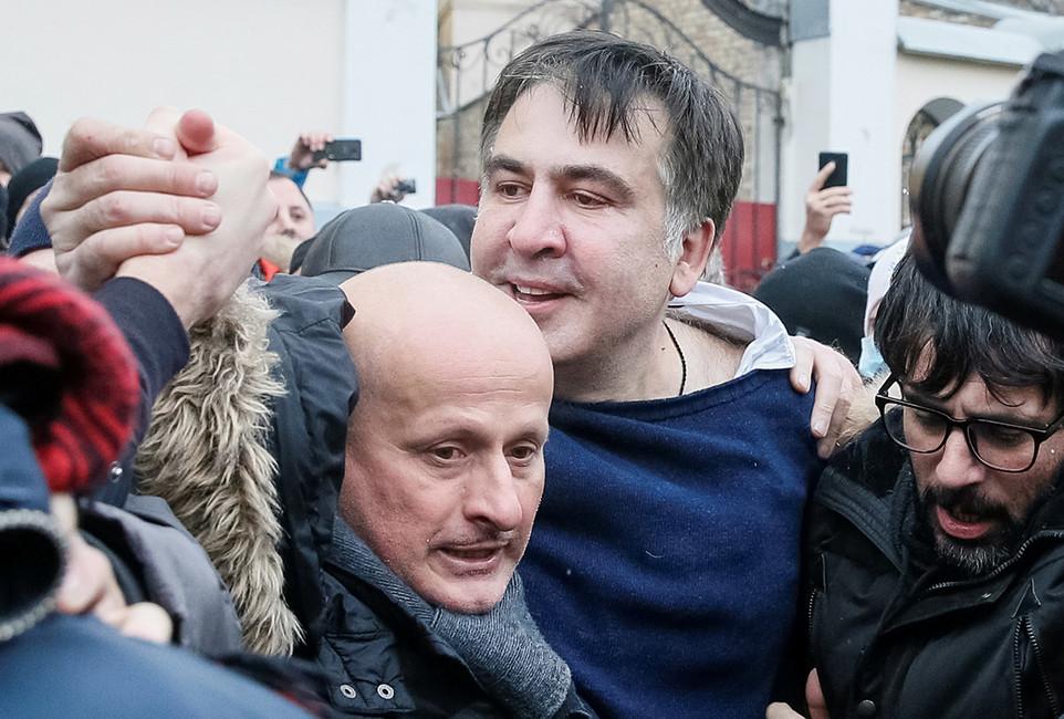 Михаила Саакашвили отбили уСБУ всего несколько сотен активистов