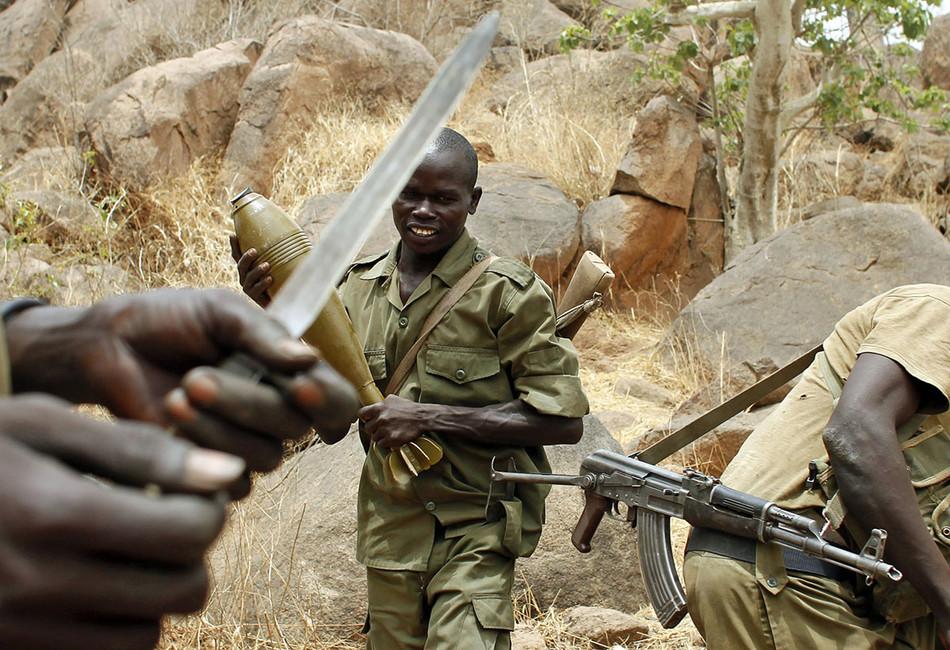 Члены Народно-освободительного движения Судана вЮжном Кордофане, 2мая 2012года. Фото: Goran Tomasevic/ Reuters