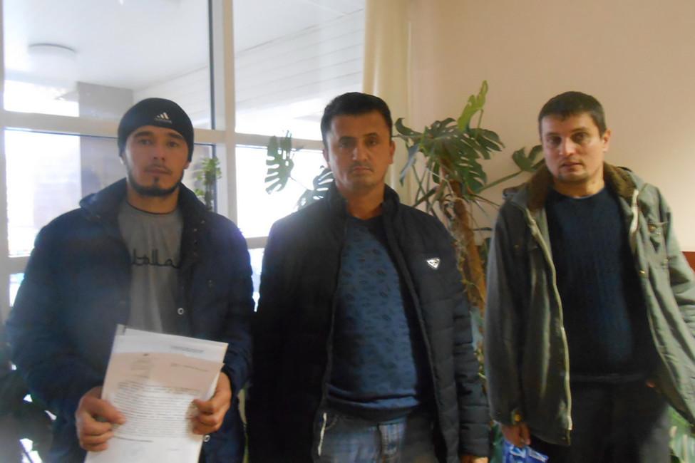 Рабочие всуде. Фото предоставлено Еленой Сидоренко