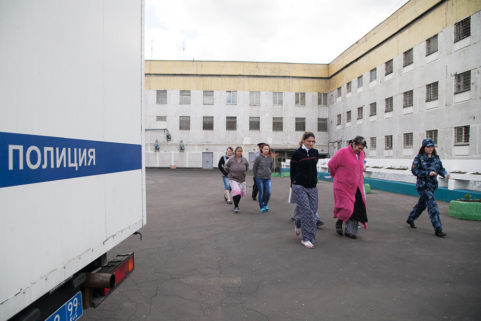 Натерритории следственного изолятора №6. Фото: Алексей Белкин/ ТАСС