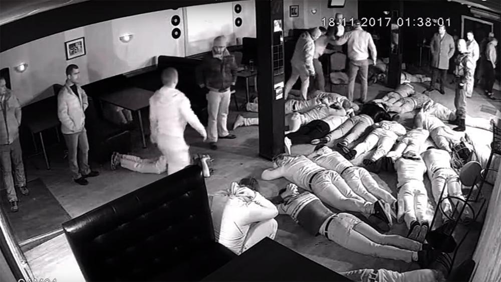 Прокуратура проверит действия полицейских, избивших посетителей кафе вЛипецкой области