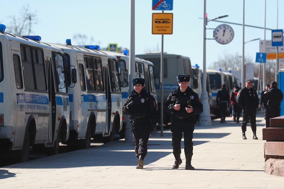 МВД закупит почти 400 автозаков для девяти городов России за1,3 млрд рублей