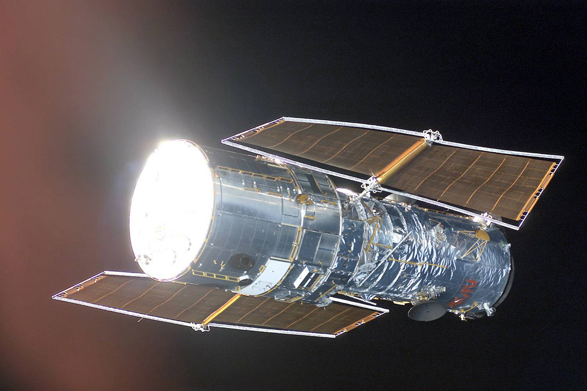 nasa building the hubble space telescope - 1200×630
